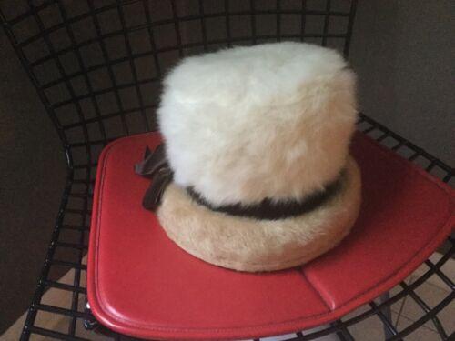 Vintage Women's FACON Boutique Cream faux fur Buck