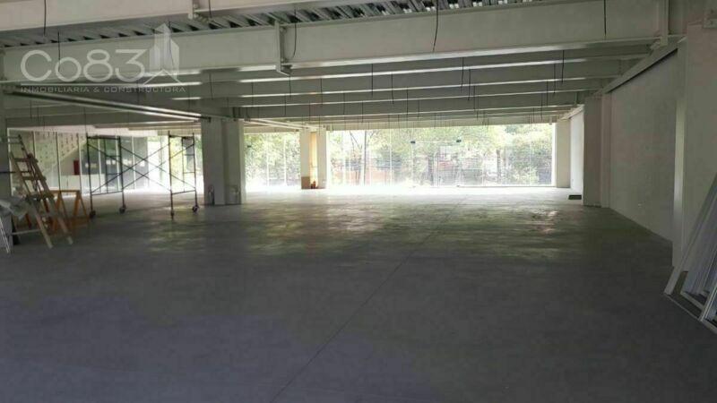 Renta - Local - Calzada de los Jinetes - 588 m2 PB