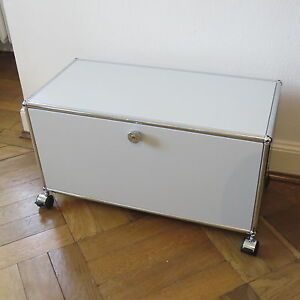 orig usm haller tv kommode lichtgrau seiten geschlossen mit klappe ebay. Black Bedroom Furniture Sets. Home Design Ideas