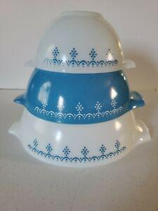 Set of 3 Pyrex Snowflake Blue Nesting Cinderella 441 442 443 Mixing Bowls