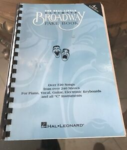 100% De Qualité Le Véritable Petit Ultimate Broadway Fake Book 4th 6x9 C Partitions 720 Chansons Ln-afficher Le Titre D'origine Une Grande VariéTé De Marchandises