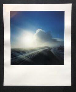 John-Isaacs-Ohne-Titel-farbphotographie-2001-a-mano-firmata-e-datata