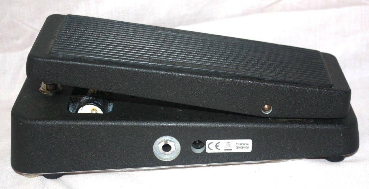 DUNLOP CRY BABY MODEL  GCB95 GUITAR EFFECTS WAH WAH PEDAL  157