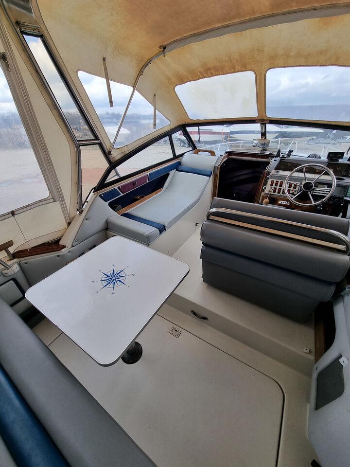 REGAL 233 XL AMBASSADOR - 1987 - MERCRUISER 5.7...