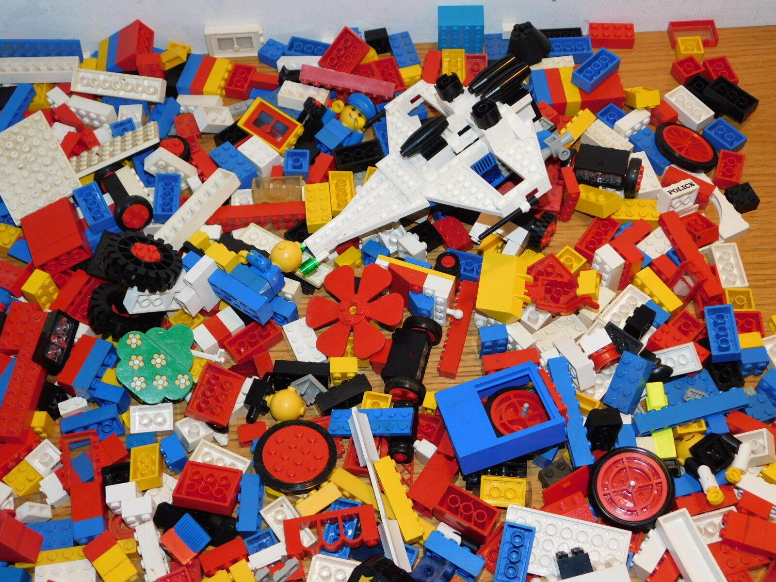 LOT 2.4 KG de LEGO brique VAISSEAU piece DIVERS maison ROUE police PLAQUE volets