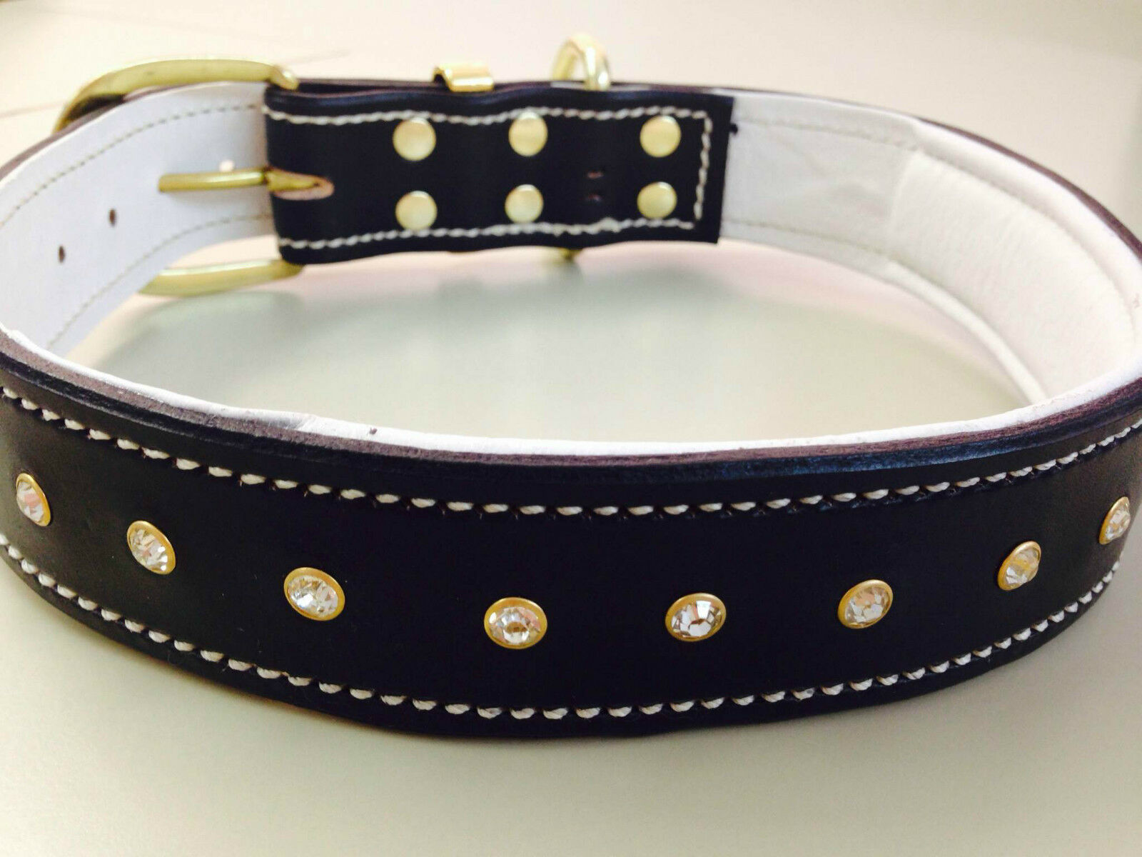 X-Large nero Leather & Soft bianca Leather Inner Lining Dog Collar & Crystals