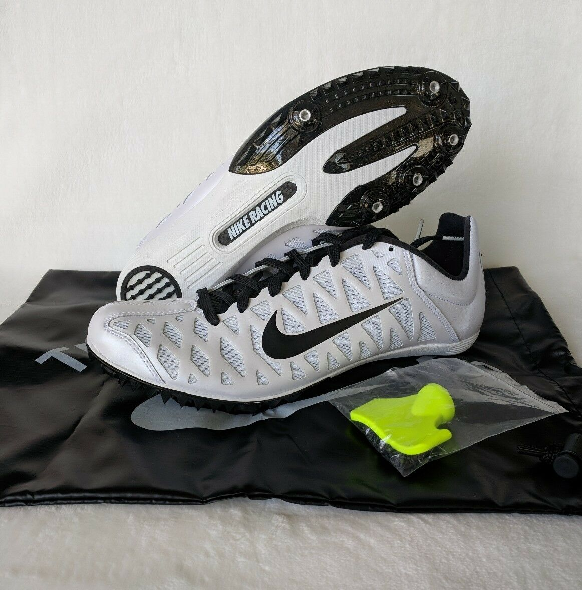 Nike Zoom Maxcat 4 Track Shoes Running Spikes White Black 549150-107 Sz 11.5