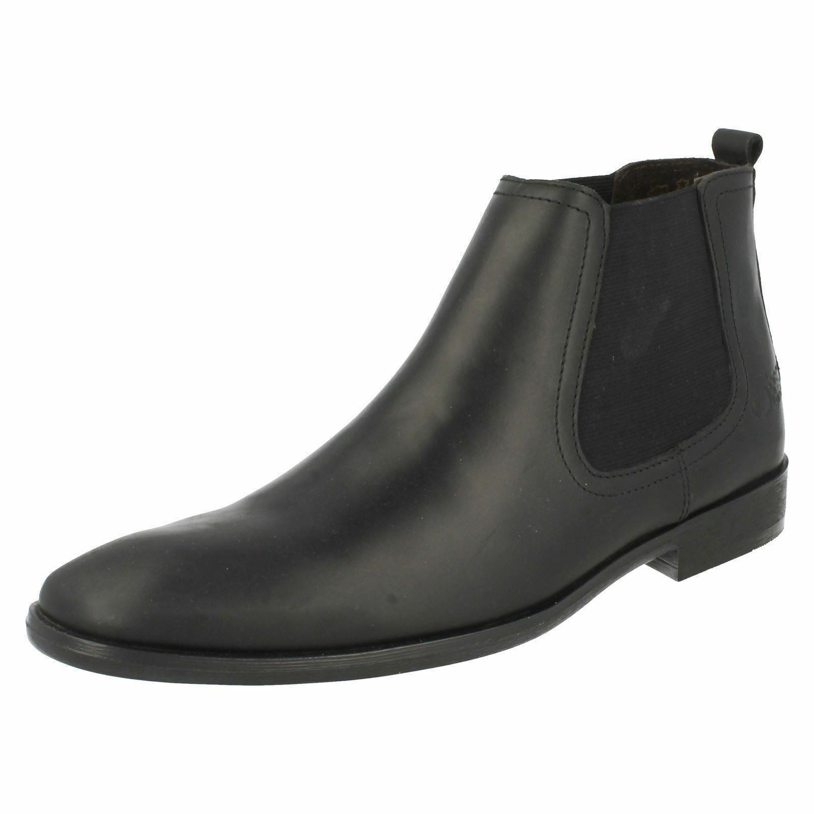 SALE Base London 'Saffron' Waxy Black Pull On Boots Round Toe Leather Chelsea Boots On 67eb02