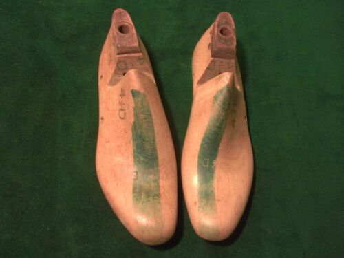Vintage 1942 Pair NAVY Shoe Lasts  Size 4-1//2 D STERLING Factory Last Mold #779