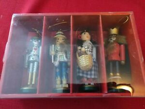 Macy's Holiday Lane 4 Wooden Wizard of Oz Nutcracker ...