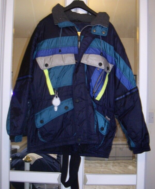 Ski Suit size M C&A  Rodeo brand  beautiful