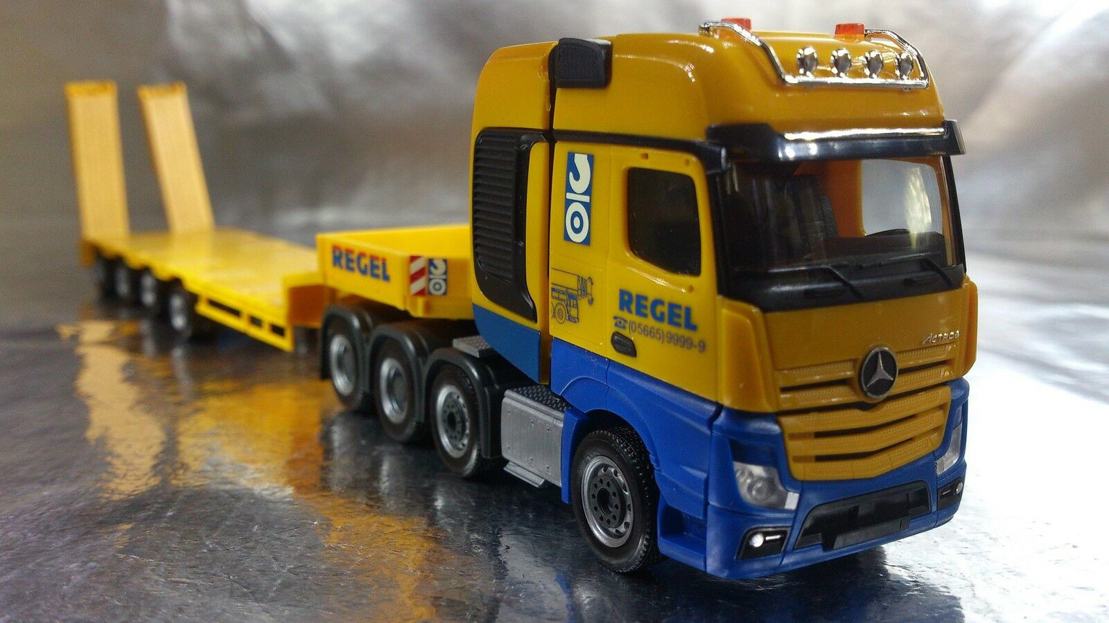 Herpa 306027 MB Actros SLT low boy semitrailer  Regel   1 87 Scale