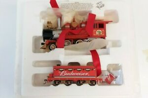 Hawthorne-Village-On30-034-Budweiser-Holiday-Express-Locomotive-2-6-0-amp-Tender