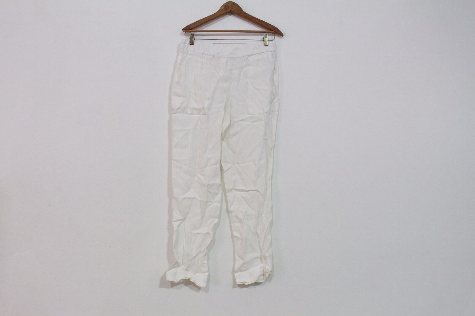 PURE DKNY WHITE CASUAL PANTS SIZE SMALL NEW