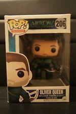 Oliver Queen Green Arrow Pop Arrow Vinyl-FUN5341
