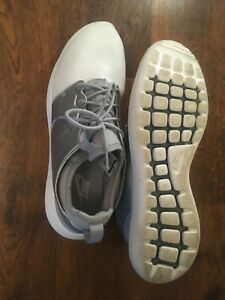 competitive price 38827 5f993 Details about Silver Nike Roshe 1s with defects. Size 11