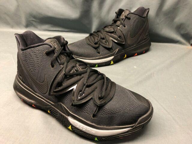 Nike Men's Kyrie 5 Basketball Sneakers