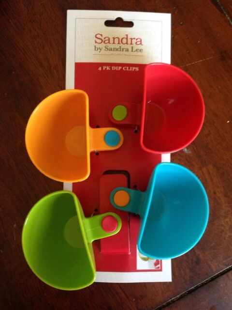 4 Pack dip clip cups By SANDRA LEE