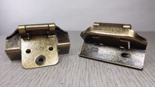 """NEW Pair Antique Brass Full Wrap Self Closing 3//4/"""" Overlay Ornate Cabinet Hinges"""