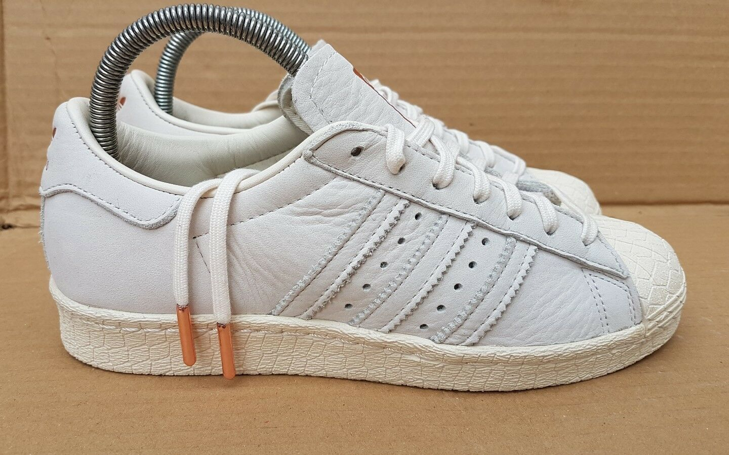 Sale Femme Adidas Originals Superstar W BA8169 Girls Trainers blanc Gold chaussures