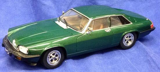 ROAD SIGNATURE Jaguar 1975 XJX grün 1 18 quasi NEU    Online-Shop