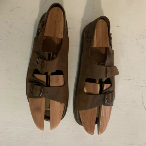 Bass men's Italian leather sandals