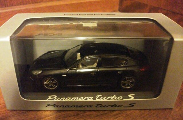 958 Porsche Cayenne Turbo Baujahr 2014 gold 1:43 Minichamps