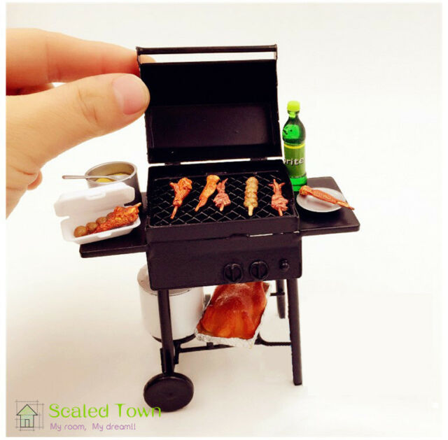 F206 MINIATURE DOLLHOUSE 1:12 SCALE BEEF PATTIES//HAMBURGERS FOR THE GRILL