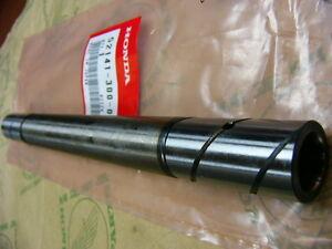 Honda CB 750 Four  K0 K1 K2 Lagerbolzen Schwinge 52141-300-000
