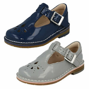 43653650813 GIRLS CLARKS PATENT BUCKLE T BAR SMART CASUAL FIRST WALKING SHOES ...