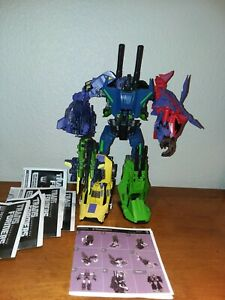 TRANSFORMERS GENERATIONS FALL OF CYBERTRON BRUTICUS HASBRO Complete w Upgrade