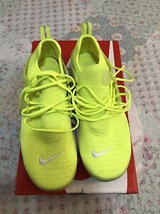 womens nike air presto size 8 Yellow   eBay