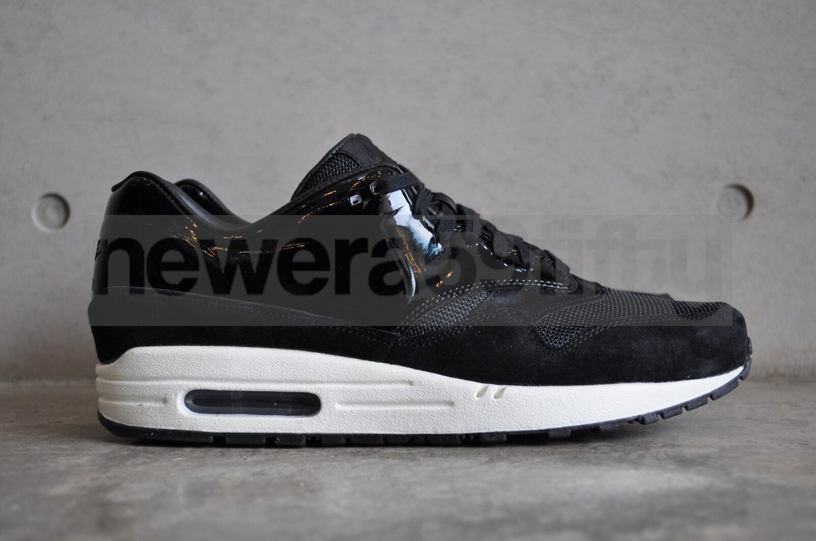 Nike Womens Tech Air Max 1 VT Vac Tech Womens QS - Black/Sail-White 83243a