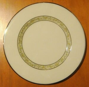 Lenox-SPRINGDALE-PLATINUM-TRIM-Bread-amp-Butter-Plate-MINT-CONDITION-A