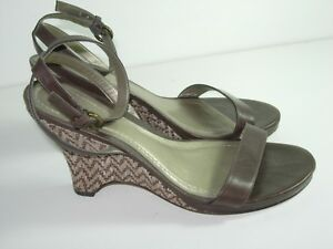WOMENS-BROWN-LEATHER-ANKLE-STRAP-ANN-TAYLOR-WEDGE-SANDALS-HEELS-SHOES-SIZE-6-5-M