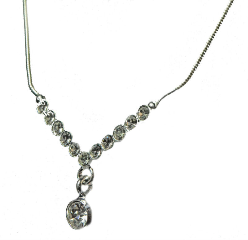 Unique Ladies Silver / Clear Diamante Encrusted Necklace Simple Subtle (zx9)