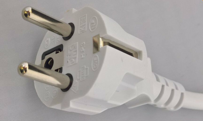 Royaume-Uni à Euro Schuko 2 m 4 Extension Lead 2 4 m 6 Socket & Adaptateur Plugs for Travel use 80cb30