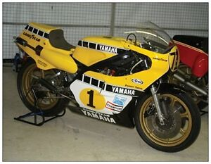 post-card-Yamaha-YZR500-OW48R-Bikers-039-Classics-Spa-2005-1-Kenny-Roberts-Sr