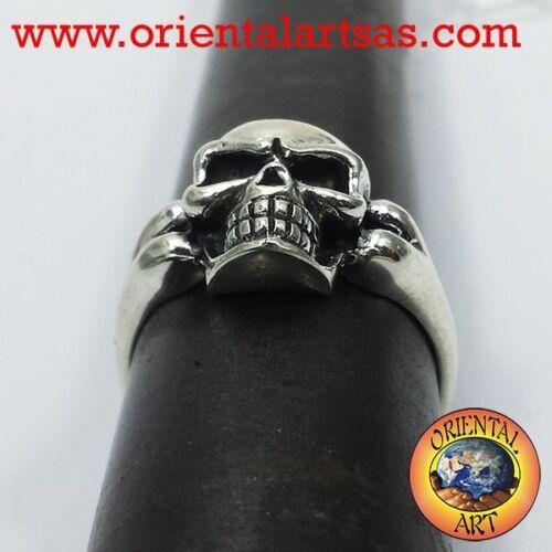 Anello Teschio con osso in argento 925