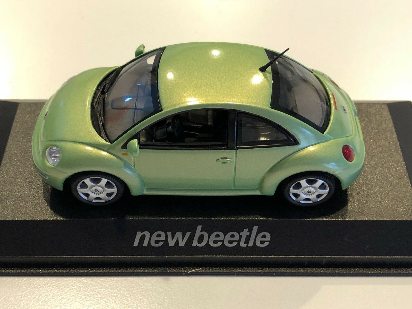 Rare New Beetle Collection New Beetle Cyber Grün 1 43 part   NBC 81.85.122