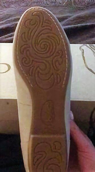 B. O. C. by Born Emalia flats gold sz slip on floral detail sz gold 6.5 Med NEW 0b1059