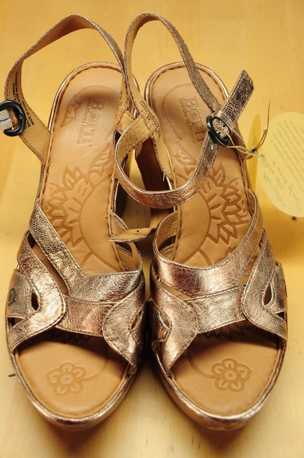 NWT Born Pascha Gold Bronze Bronze Gold Metallic Strappy Wedge Slingback Leder Sandales 10 7407bb