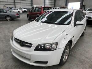 2008-White-Holden-Commodore-Sedan