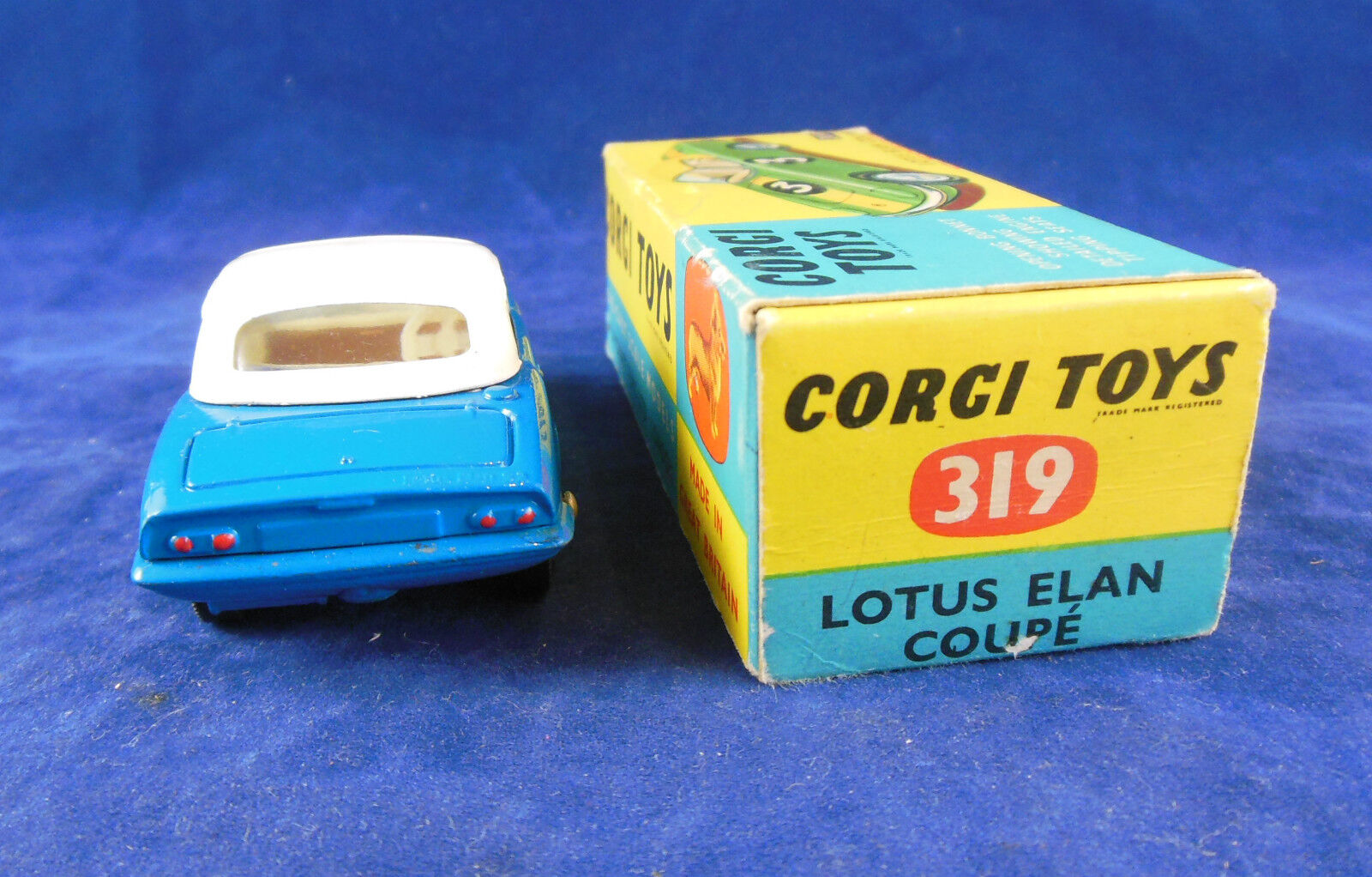 Corgi 319 Lotus Elan Coupe Coupe Coupe in bluee with White Hardtop Detachable Chassis Superb d52a28