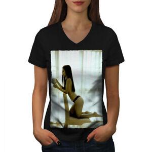 Wellcoda Girl Hot Body Booty Womens V-Neck T-shirt, Naked