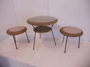 Sgabelli In Vimini.Dettagli Su Tavolino Con Due Sgabelli In Vimini Anni 50 Wicker Side Table And 2 Stools