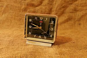 Vintage-Alarm-Clock-Made-In-China-Diamond-Wind-Up-Alarm-Clock-Red-and-Black-87