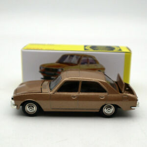 Atlas-1-43-Dinky-Toys-1452-PEUGEOT-504-Diecast-models-car