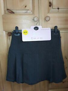 Brand New Debenhams Pack Of 2 Girls/' Black School Skater Skirts size 13 years