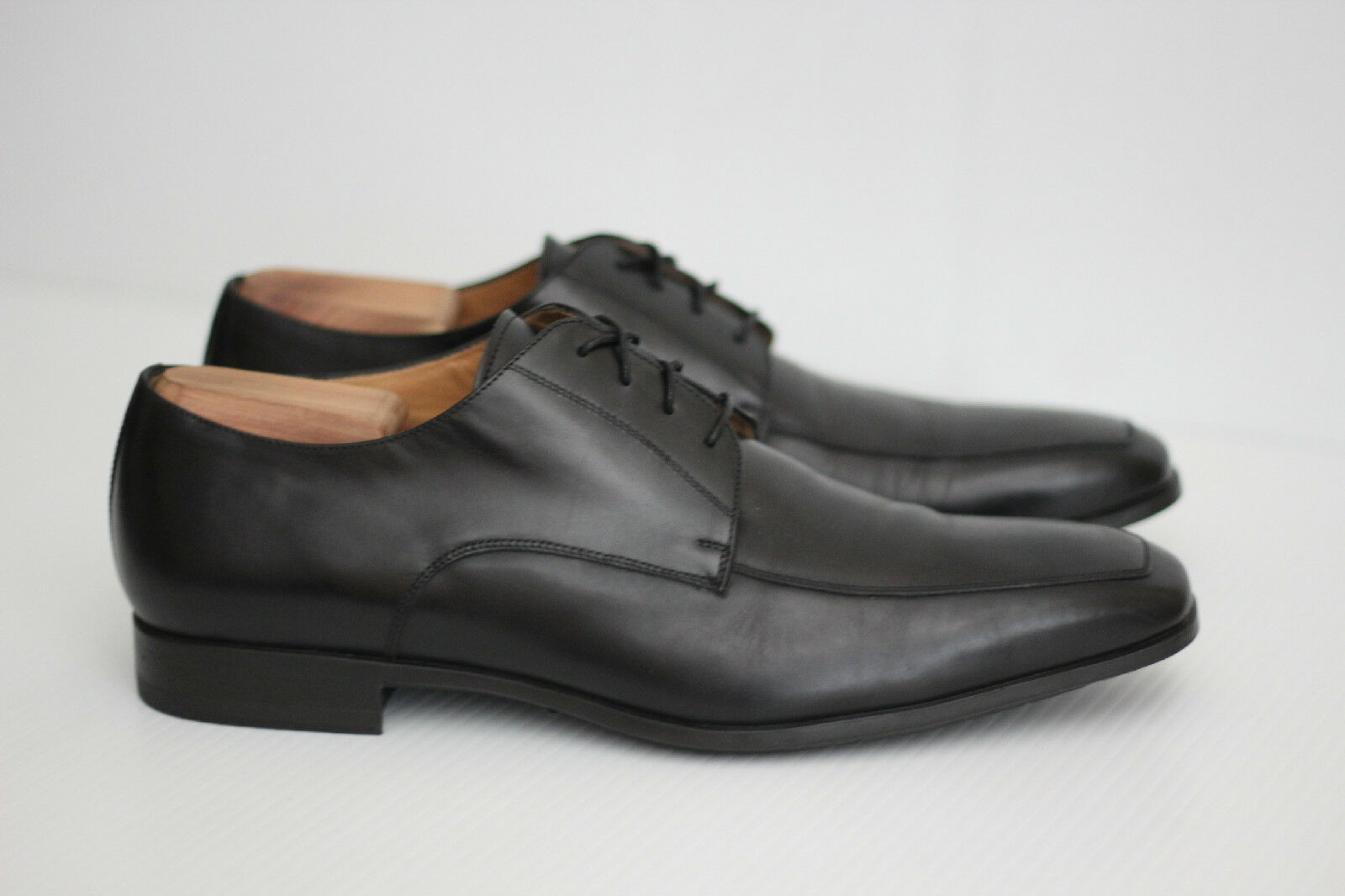 Santoni 'Prichard' Apron Toe Derby - nero - Dimensione 9 EE - 11927 (Q1)